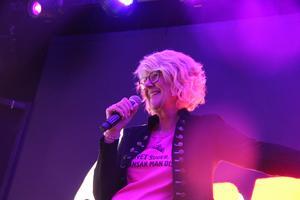 Gerda Bylund som MC på Gasta under onsdagkvällen.
