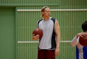 André Nilsson tränar för en återkomst i Sundsvall Dragons.