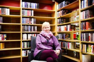 Bibliotekschef Britt-Inger Roos hoppas att lösningen med bokbilen ska nå ut till fler än den nuvarande med bibliotekslokaler i Hoting och Backe.