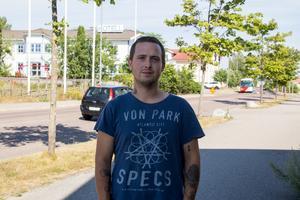 Elias Mattsson från Bollnäs var den som drog igång Facebookgruppen i söndags. Sedan dess har det varit jobb dag och natt.