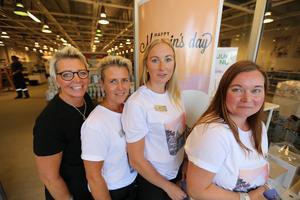 Några ur den förstärkta Iittalapersonalen i butiken i Insjön. Från vänster; Marita Rosén, Annelie Källgren, Anette Lindens och Jenny Stamnäs.