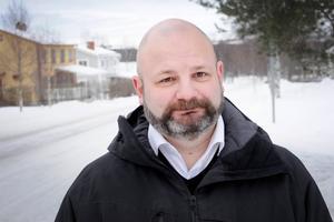 Daniel Arvastsson är lokalpolitiker i Bergs kommun för Socialdemokraterna och bor själv i Oviken. Han är rejält bekymrad över det nya läget som har uppstått i frågan kring en gruva i Oviken. Han befarar att det kan bli enorma konsekvenser för Storsjön.