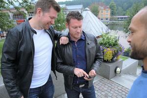 """Olav Törnblom är ledsen att idén som han och vännerna Johan Kuhn (till vänster) och Johan Jensen (i förgrunden) hade inte bar sig. """"Det har varit roligt med allt intresse och det känns som att vi var något på spåren"""", säger han."""