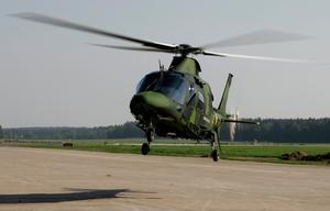 Helikoptrarna är av märket Augusta och tillverkas i Italien. Bilden är från 2006 när försvaret precis köpt helikoptrarna.