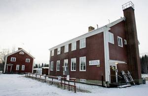 Byn har en aktiv hembygdsförening. Här på hembygdsården har byborna även egen vävstuga.FOTO: BENGTERIC GERHARDSSON