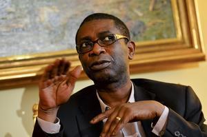 Polarprisvinnaren Youssou N'Dour har fått sparken som turistminister i Senegal.