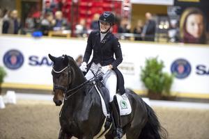 Sandra Dahlin vann både grand prix och kür när Helsinki International Horse Show avgjordes i helgen. Foto: Privat