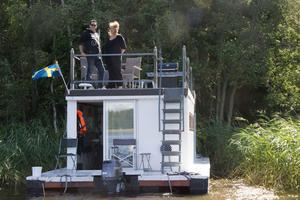 Magnus Hallgren och Johanna Ersson tycker att en husbåt är den perfekta