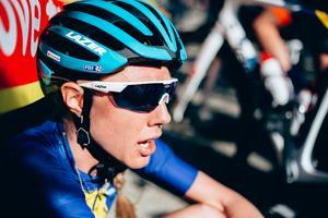 Emilia Fahlin är just nu rankad som världens 14:e bästa cyklist, bakom sju nederländska cyklister, en australier, en sydafrikan, en italienaren, en amerikan, en polack och en kuban. Foto: Thomas Maheux