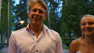 Emil Uhlin och Jonna Claesson. Emil fick pris för Årets resa och Jonna för Årets träningsflit.