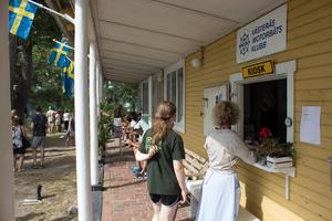 Västerås Motorbåtsklubbs kiosk var först att byggas på ön efter starten 1919.