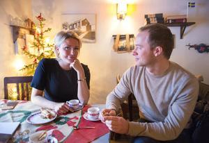 Hanna känner sig avkopplad i Sundsvall. Alexander har fått se en ny lugnare sida av henne.