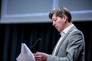 Joakim Storck (C), kommunstyrelsens ordförande säger att Lufabs före detta vd, Liselott Jonssons, avgångsvederlag hade kunnat att justeras om granskningsrapporten blivit klar tidigare.