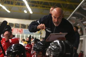 Assisterande tränaren Christer Olsson.