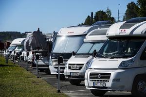 Många resenärer har valt att bo på gästhamnens ställplatser för husbilar/husvagnar