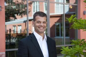 Pontus Werlinder är fastighetschef på Telge bostäder och tf vd under semestertider.Foto: Eva Karlsson/Telge