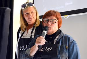 Matkreatören Fia Gulliksson och Anna Frisk på Stair Culinar  instruerar deltagarna i matvandringen Eat up.