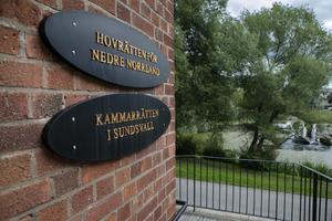 Under torsdagen kommer hovrätten att resa till Hudiksvall för att göra en syn på brottsplatsen. Förhandlingarna avslutas sedan den 28 augusti.