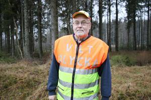 Leif Granlöf är bekymrad över vad provresultatet ska visa på de älgar som påträffades vid Sottern. De är avlivade och har kasserats men kan ha burit på en smittsam sjukdom.