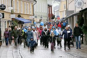 Stadens gator fylldes av runt 200 personer som var med för att uppmärksamma och sprida kunskap om diabetes.
