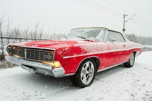 Bilen är en Ford LTD Cab från 1968.
