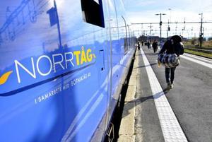 Norrtåg laddar inför den kommande vintersäsongen. Leverantören av Coradiatågen har fått kravlista på närmare 100 åtgärdspunkter med vintermodifieringar för att tågstoppen från förra säsongen inte ska upprepas.