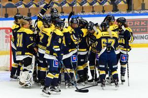 HV71 ställs mot toppkollegan Luleå redan i premiären. Här en arkivbild från en tidigare match.