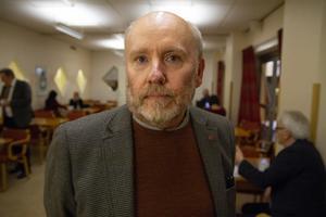 Jan Lahenkorva (S) tycker det är ett demokratiproblem att SD åkte hem istället för att ta debatten.