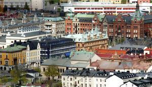 Skattepengarna ska gå till skola och äldre, inte logistikparker, menar en arg Sundsvallsbo.