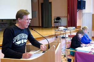 Bo-Yngve Nilsson var nöjd med att hans fråga under allmänhetens frågestund skapade debatt om fiskodling.