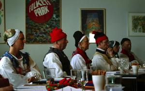 Noggrann granskning. En särskild bedömningsnämnd avgjorde vilka deltagare som fick sina polskdansmärken eller inte. Foto:Jeanette Lundbeck