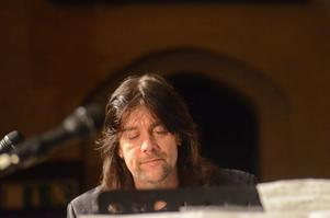 Robert Wells framförde några klassiska favoriter solo vid pianot.