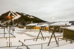 I skuggan av Funäsdalsberget, alldeles vid skidstadion, har den nya förskolan sakta vuxit fram. Nu är den klar.
