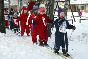 De här unga skidåkarna deltog i Vallbacksloppet. Året var 2006...