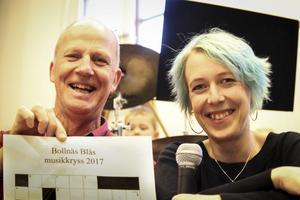 Kenneth Eriksson och  Josefin Nygren bjuder tillsammans med Bollnäs Blås på musikkryss.