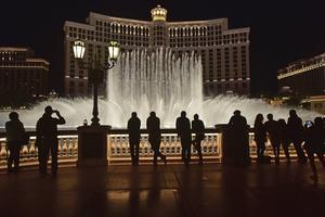 Fontänshowen utanför Bellagi Casino drar igång varje kvart.