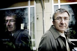 Lättad. Sefko Ramic, som flydde från Bosnien till Sverige för 15 år sedan är glad att den ökände bosnienserbiske krigsförbrytaren äntligen kunde gripas.