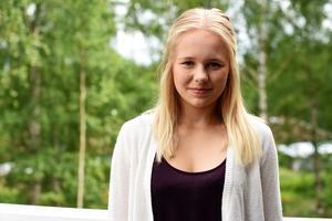 Elin Pettersson rekommenderar andra att söka till sommarforskarskolor.