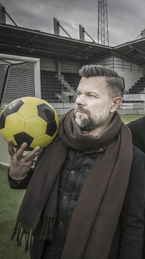 Magnus Hägerborn, Fotbollspulsredaktör på Gefle Dagblad och Arbetarbladet, ser framemot en intressant lokal fotbollssäsong med en hel hög med livesända matcher.