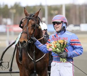 Hemmakusken Tomas Pettersson hade en lyckad dag, här som segrare i V4-4 med Robis Salvation.