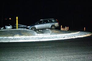 Här är en av olyckorna som skedde i den nya rondellen i Bräcke i helgen.