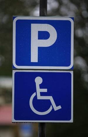 Det finns alldeles för få handikapplatser i Bräcke, anser insändarskribenten.foto: scanpix