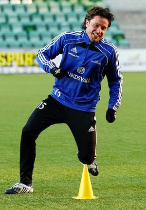 Mattias Nylund är åter på bekant mark. Sedan i går kväll tränar den kontraktslöse backen med GIF Sundsvall.