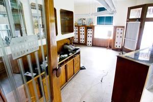 Renoveringen av Rådhuskonditoriet drar ut på tiden. Någon nyöppning till helgen blir det inte.