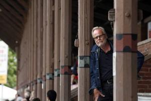 Björn Widegren är trött på att beslutsfattarna aldrig kommer till beslut när det gäller Strömvallen och de uråldriga och irrriterande pelarna. Fjärdeplatsen i allsvenskan borde fungera som en spark i baken på somliga, tycker han.