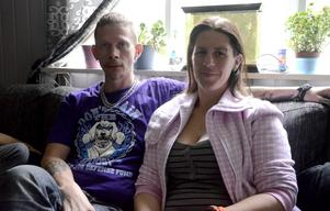 Peder Norlund och Astrid Wallberg cyklade Vildmarksvägen på 30 timmar. Under resan samlade de in pengar till Kvinnojouren i VIlhelmina. Pengarna var ett välkommet tillskott till den helt ideella verksamheten.