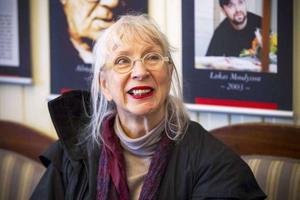 Nu kommer Suzanne Osten till Laxön, Älvkarleby, för att ta emot årets Stig Dagermanpris.   Foto: Jörgen Svendsen