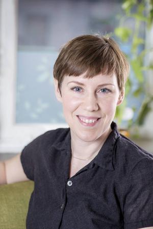 Författaren och forskaren Stina Otterberg öppnar nya dörrar till Nobelpristagarens Erik Axel Karlfeldt dikt och liv i boken