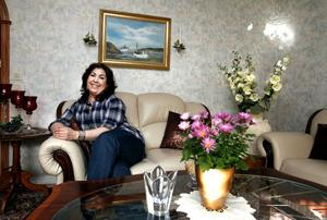 satsar på språk. Zahra Asgari startar en hemtjänst som särskilt vill tillgodose behov av hjälp på kundernas olika modersmål. Från måndag kan de i Gävle som har hemtjänst välja bland fem olika företag och kommunens egen hemtjänst.