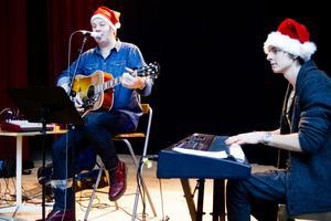 Hasse Spennare och Johan Hurtig stod för musiken i Ljusne, med hjälp från Kalle Hubinette